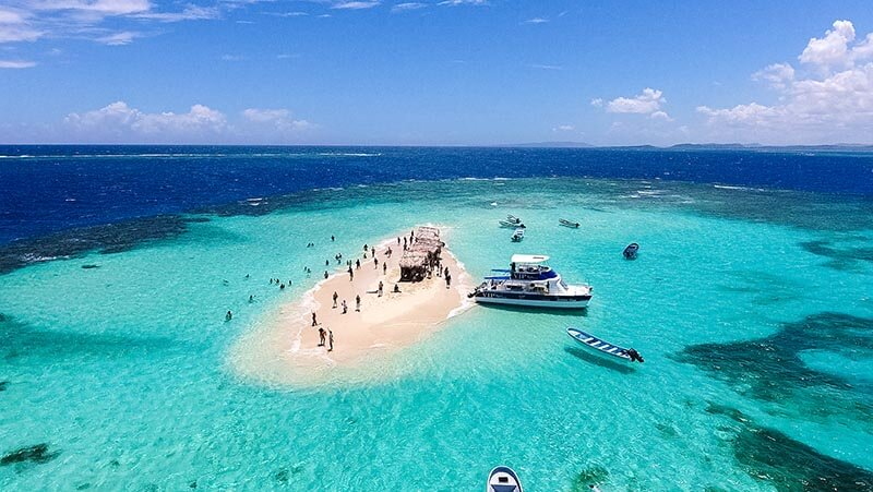 Cayo Arena, surrounded by shallow turquoise waters